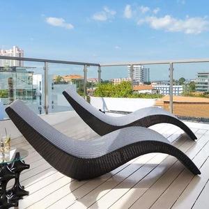New Design Rattan Outdoor Sun Lounger Wicker Poolside Lounge Chair