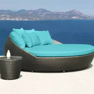 Best selling swimming pool beach lounge bed garden furniture set wicker round sun bed