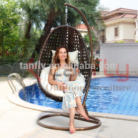 Patio Garden Indoor Outdoor Furniture Hanging Egg Shaped Wicker Swing Chair Hammock with Stand pictures & photos