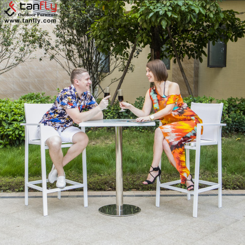 Wholesale Outdoor Patio Modern Bar Furniture Bar Table Chair Set pictures & photos