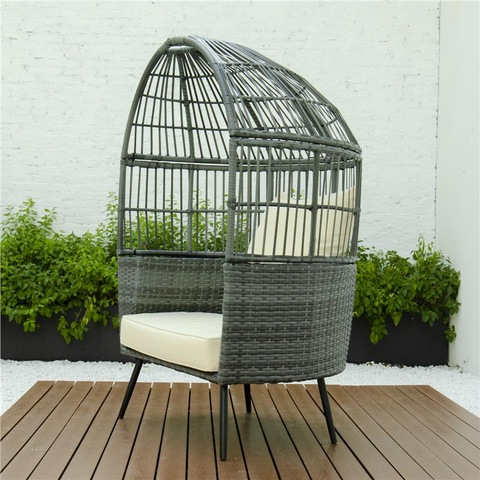 Patio Garden rattan daybed hotel pool furniture with awning canopy pictures & photos